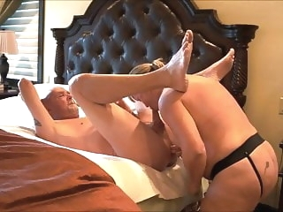 A full session with mature wife Karen. Start to finish anal blowjob