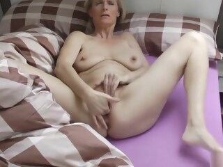 Kiss Me - Fuck Me -use Me! amateur blonde