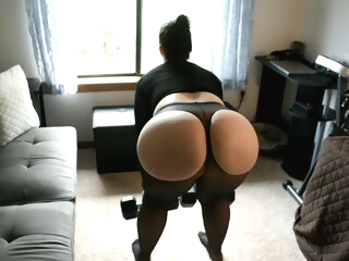 Mom Sheer Spandex Booty Workout amateur big ass