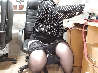 Secretary at work (change of panty liner and anal plug) bbw sex toy