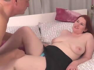 Naughty Red Mature Autumn Temptation Get Pussy Filled With amateur big ass